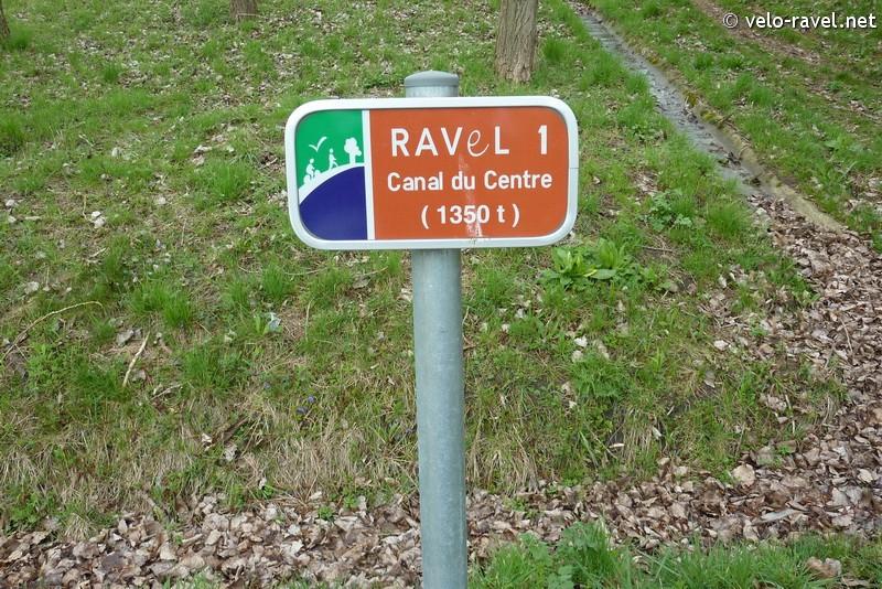 RAVeL 1 Centre (Part 2) La louvière - Roux 07 Itinéraire N°4 - W4 - Canaux, fleuves et rivières - La Louvière - Roux (RAVeL 1 Centre La louvière - Roux) 2011-026