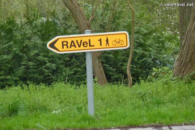 RAVeL 1 Centre (Part 2) La louvière - Roux 07 Itinéraire N°4 - W4 - Canaux, fleuves et rivières - La Louvière - Roux (RAVeL 1 Centre La louvière - Roux) 2011-028