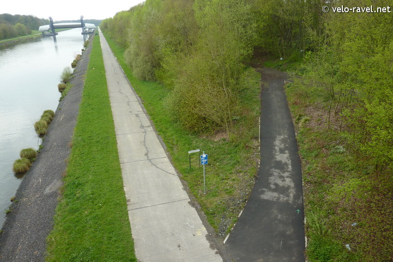 RAVeL 1 Centre (Part 2) La louvière - Roux 07 Itinéraire N°4 - W4 - Canaux, fleuves et rivières - La Louvière - Roux (RAVeL 1 Centre La louvière - Roux) 2011-032