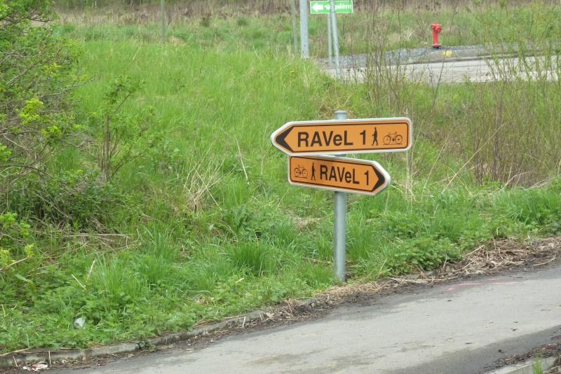 RAVeL 1 Centre (Part 2) La louvière - Roux 07 Itinéraire N°4 - W4 - Canaux, fleuves et rivières - La Louvière - Roux (RAVeL 1 Centre La louvière - Roux) 2011-034