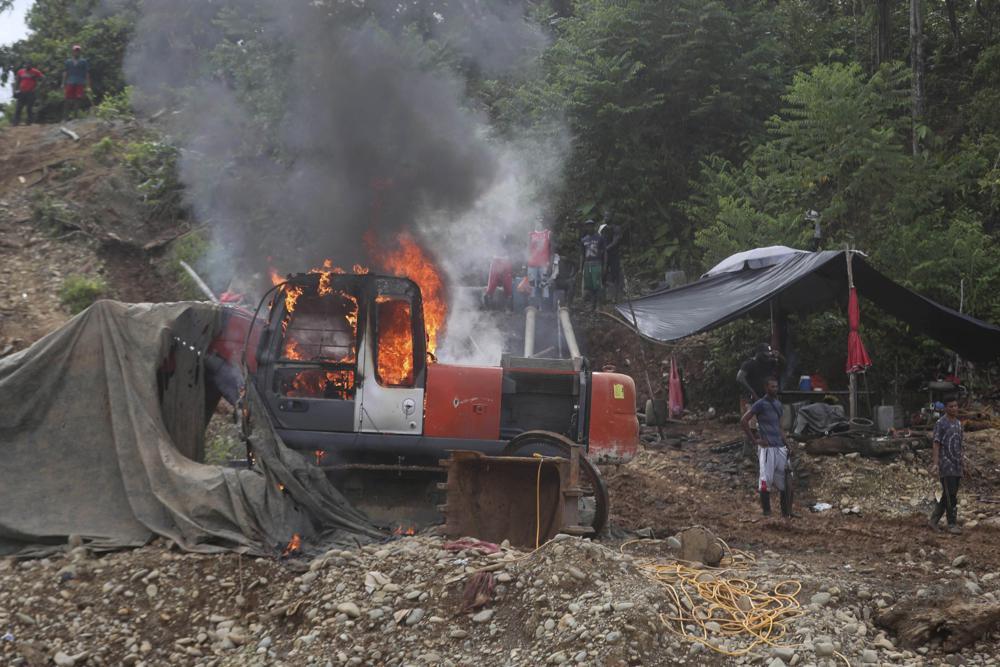 Colombia: Al menos 10 muertos y 25 heridos en una mina de oro.  100011