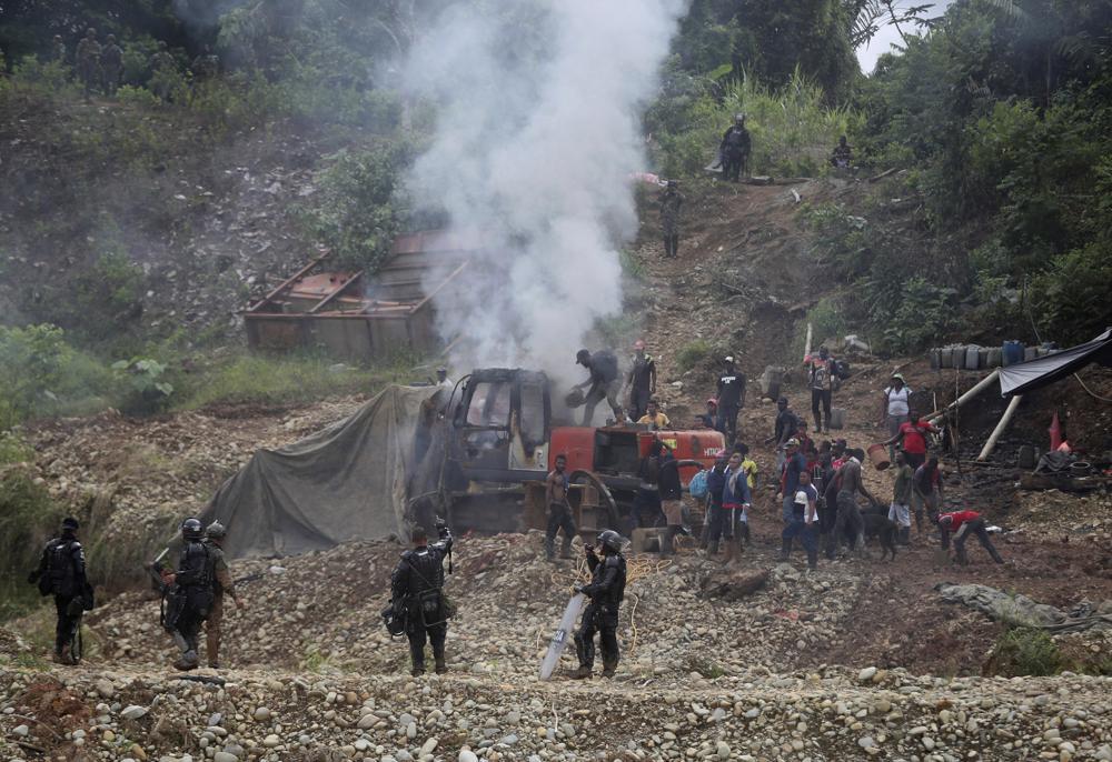 Colombia: Al menos 10 muertos y 25 heridos en una mina de oro.  100012