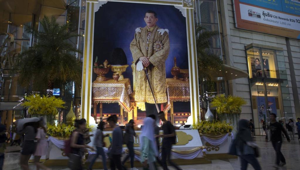 Tailandia: Al menos 8 muertos y 70 heridos en atentados en el sur del Estado. - Página 2 15322611