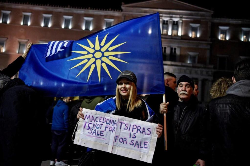 Grecia. Capitalismo, negocios, deudas, recortes estatales, privatizaciones,miseria  obrera. - Página 15 15484110
