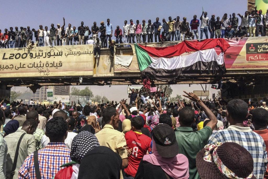 Sudán, Sudán del Sur. Militarismo, guerras, petróleo. - Página 6 15548110