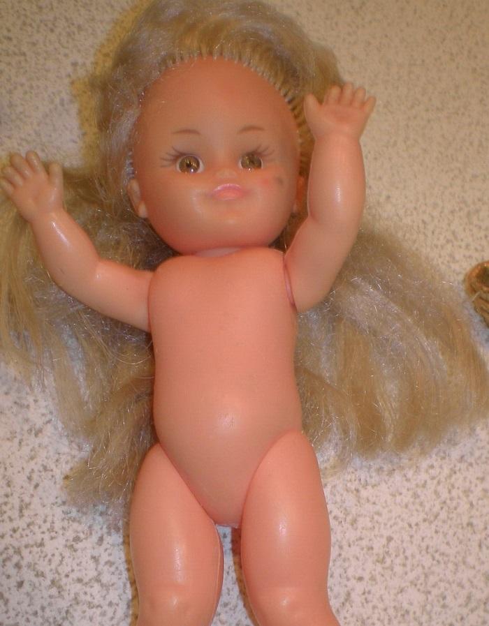 Microbe, petit mannequin vintage de Bella chez Garance Microb11