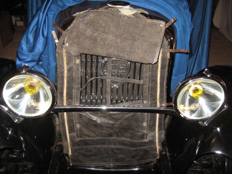 Un écran de radiateur (ou tablier de calandre) pour 201 Ecranr12