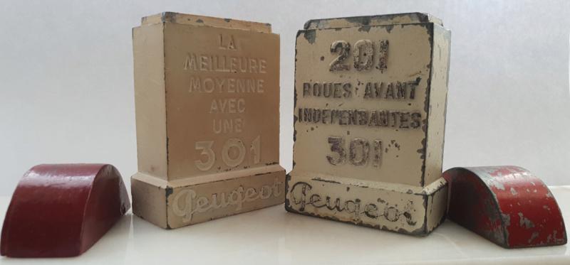 Bornes publicitaires PEUGEOT : pyrogènes et marque-pages Pyrogz13