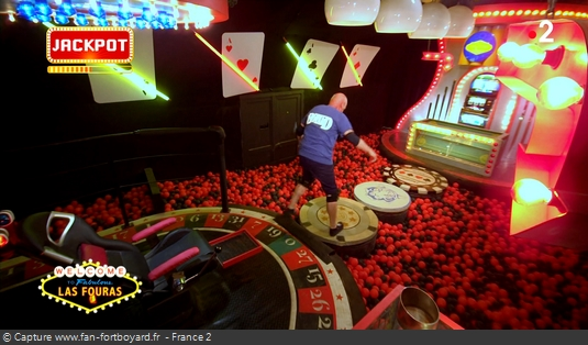 OBJET 018 / L'épopée des boules noires Casino10