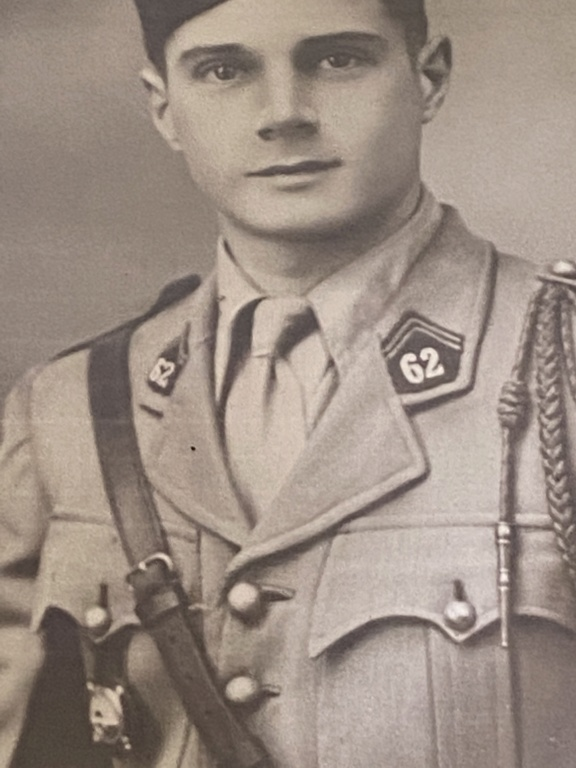 Identification d'une photo d'un officier français  F8a7f510