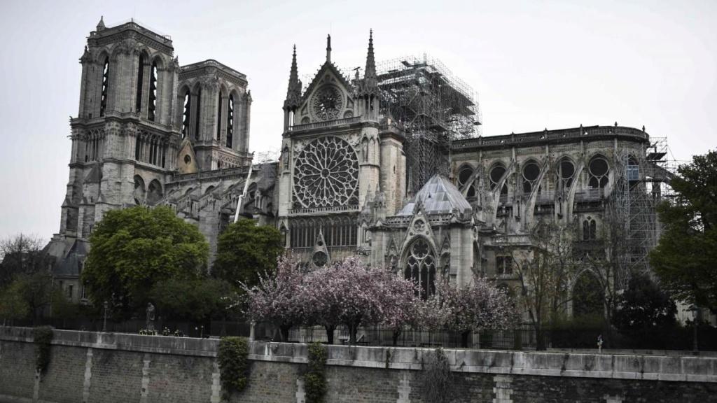 Terrible incendie de Notre Dame de Paris le 15 Avril 2019 au soir B9719210