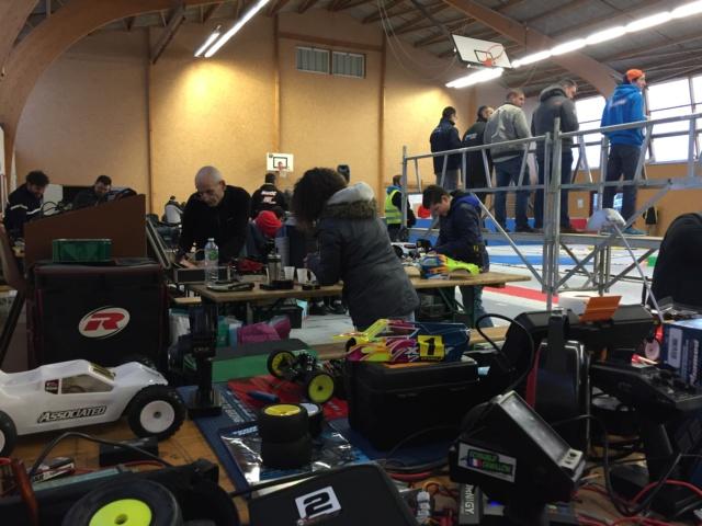 Course indoor 1/10tt MRCC Corzé 27 Janvier 2019  B42b5110