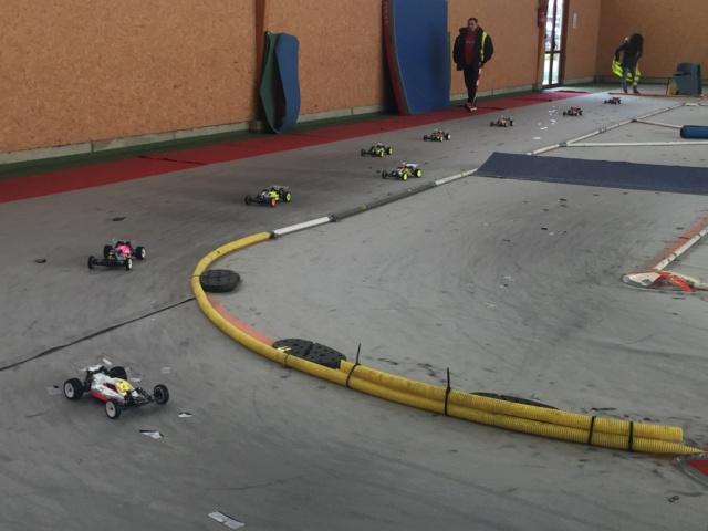 Course indoor 1/10tt MRCC Corzé 27 Janvier 2019  B80eb910