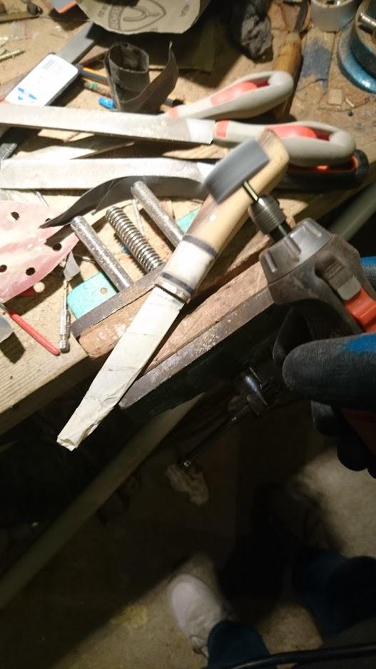Mes projets-couteaux divers... - Page 16 Dremel10