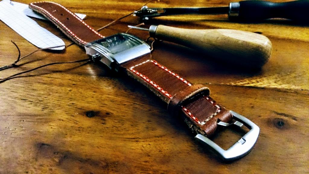 Etui pour couteau pliant en cuir moulé Dsc_0111