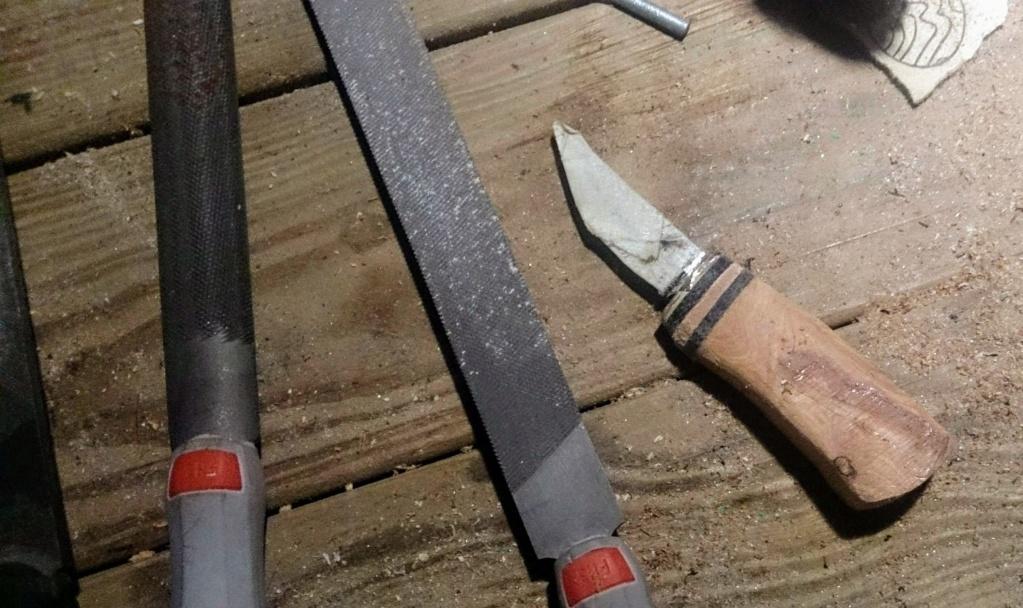 Mes projets-couteaux divers... - Page 12 Lauri411