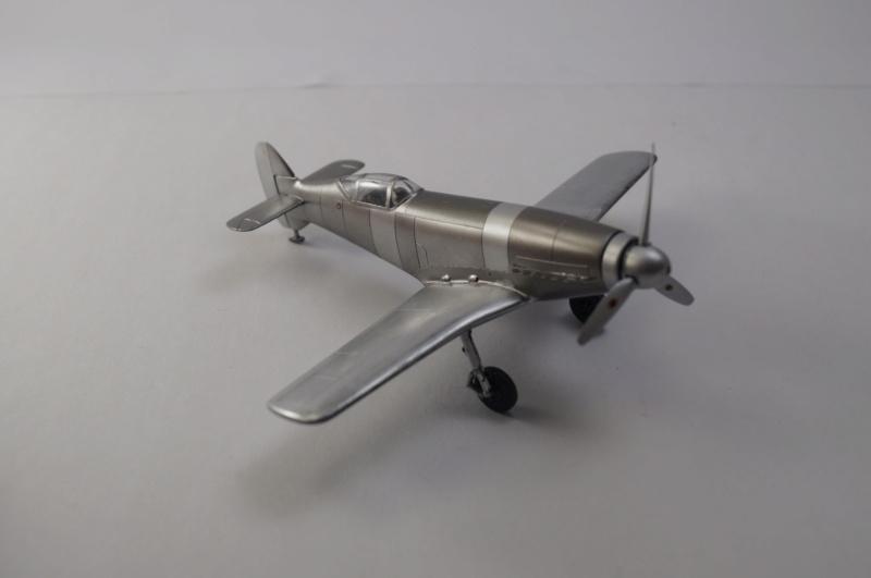 [Special Hobby] Messerschmitt Me 209V1, 1/72 - fini - Page 4 Dsc00811
