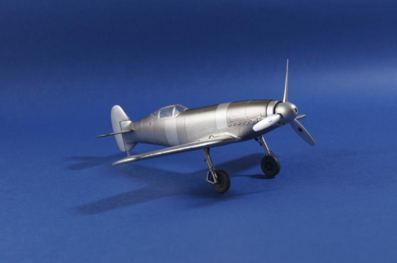 [Special Hobby] Messerschmitt Me 209V1, 1/72 - fini - Page 4 Dsc00818