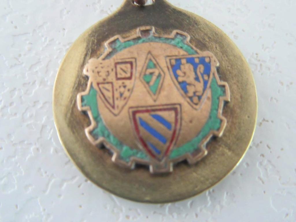 Identification Medaille ST CHRISTOPHE /  regiment ou escadrille ou? _copie27