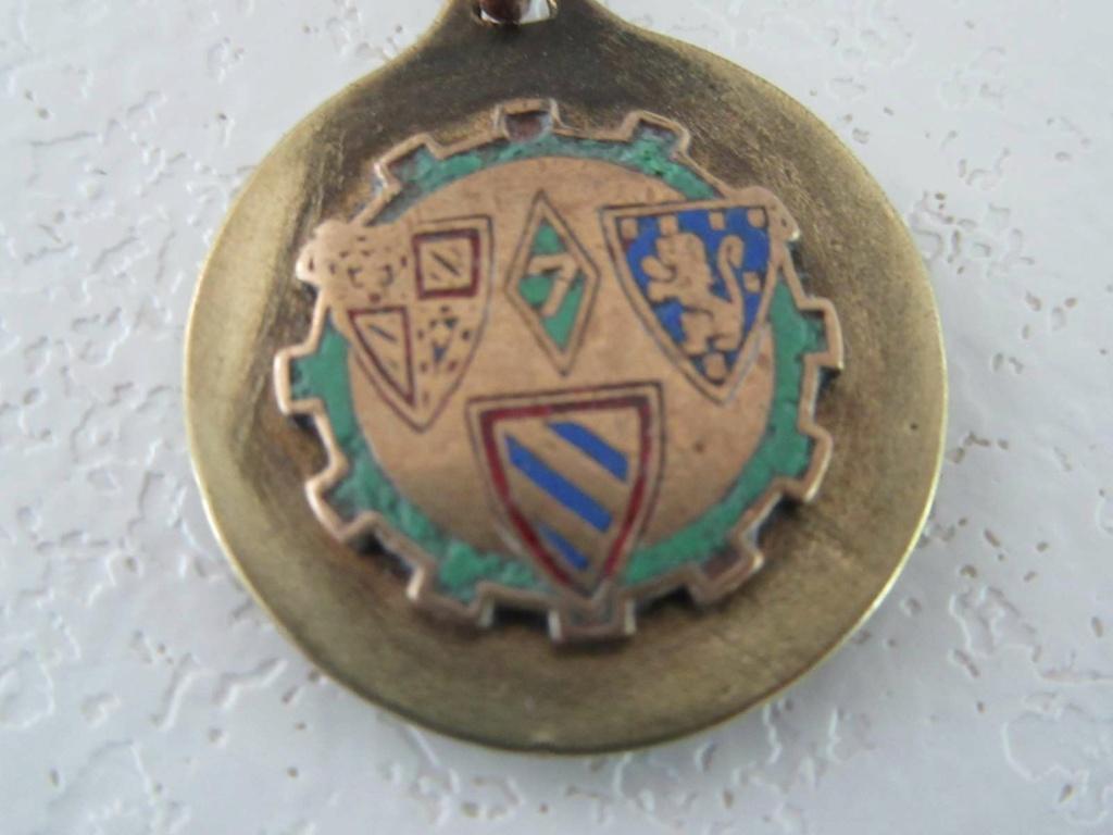 Identification Medaille ST CHRISTOPHE /  regiment ou escadrille ou? _copie28