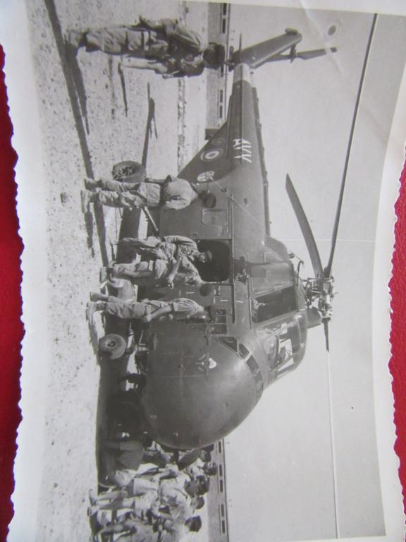 PHOTOS , CPA  tank RENAULT FT 17 en tchequoslovaqie et militaires Img_6014