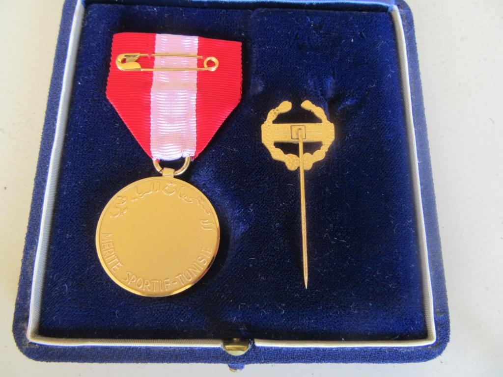 Demande IDENTIFICATION Médaille TUNISIENNE Img_9740