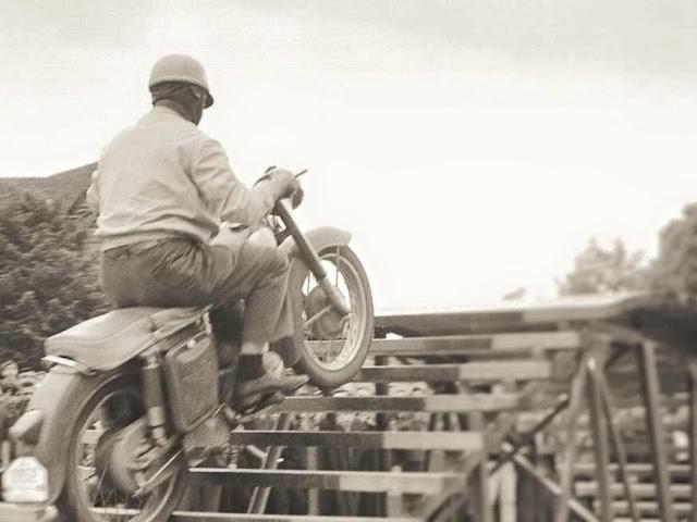 Les motos Balkan 25010