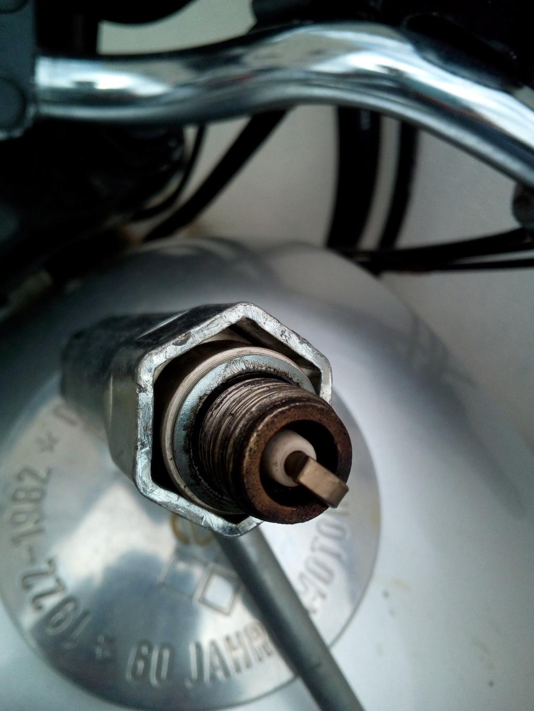 Réglage du carburateur BVF 22N2 pour ETZ 125 - Page 6 Bougie15