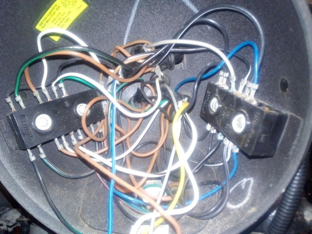 Câblage dans le bol de phare Intzor10