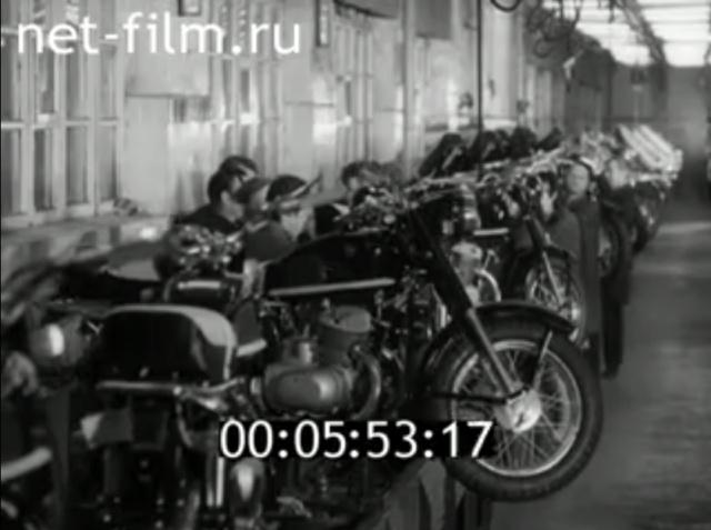 Plus à l'est : les motos Voskod Kovrov11