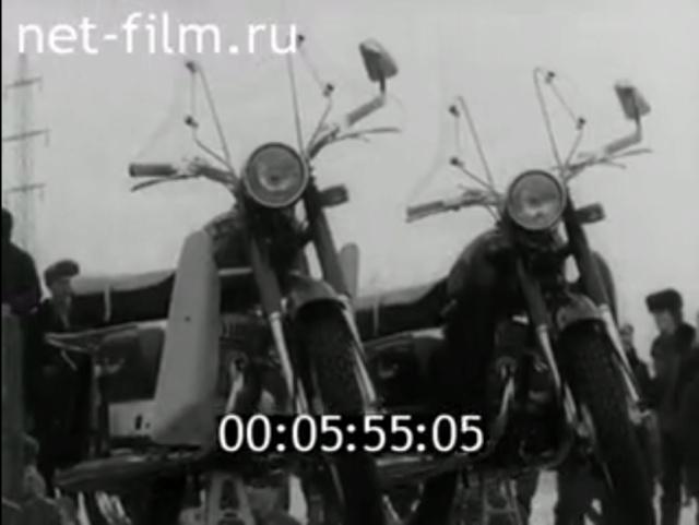 Plus à l'est : les motos Voskod Kovrov14