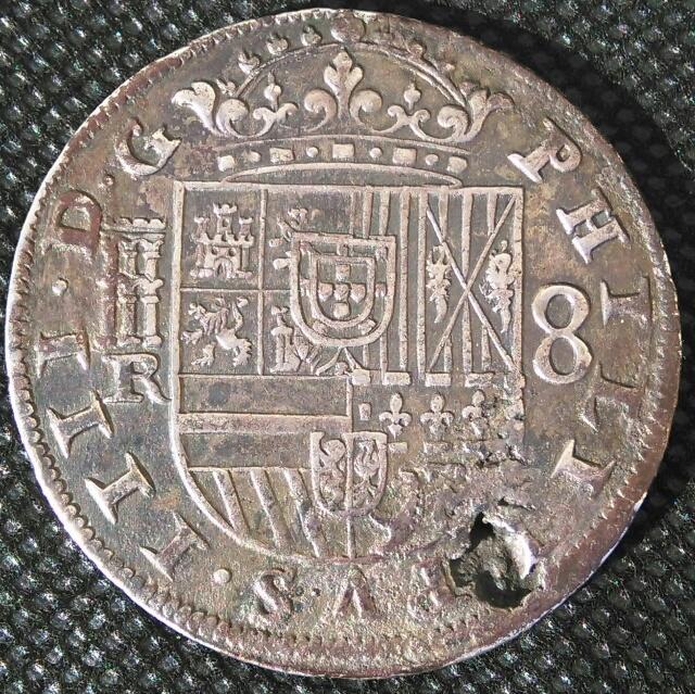 """8 reales de 1633 con """"hojas"""" Img_2032"""