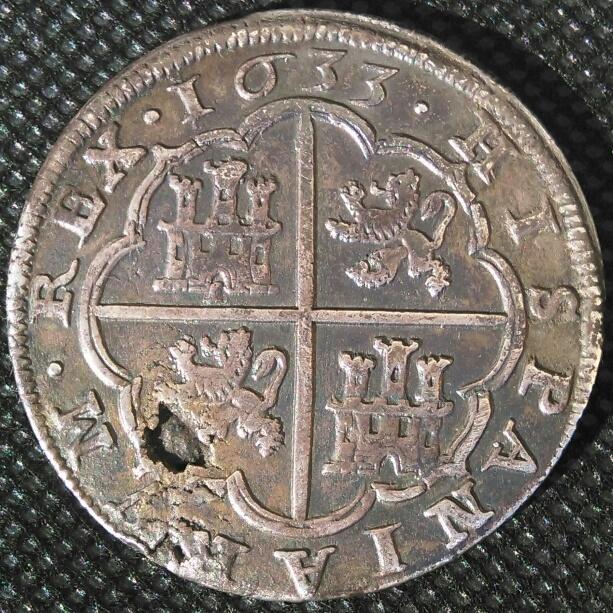 """8 reales de 1633 con """"hojas"""" Img_2034"""