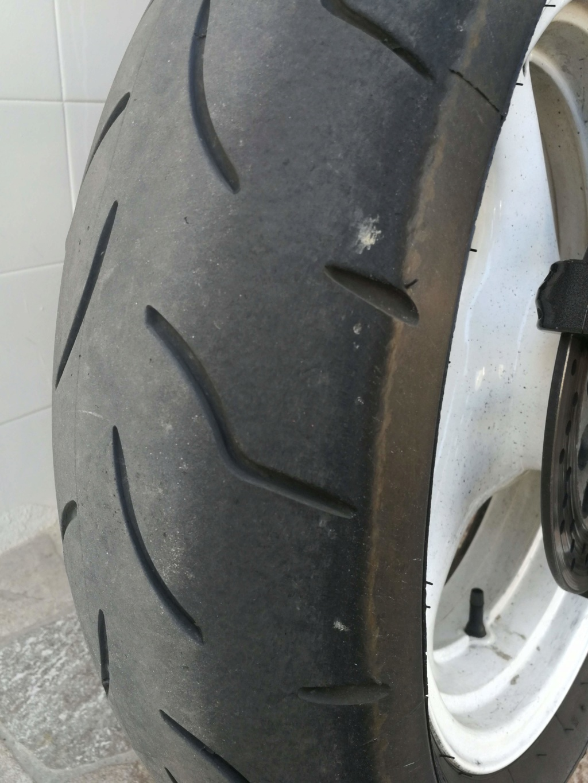 Toca cambio de neumáticos Img_2070