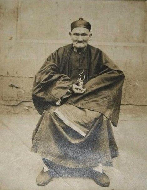 Ли Цинъюн установил рекорд долголетия! Он дожил до 256 лет и перед смертью открыл свой секрет! 25610