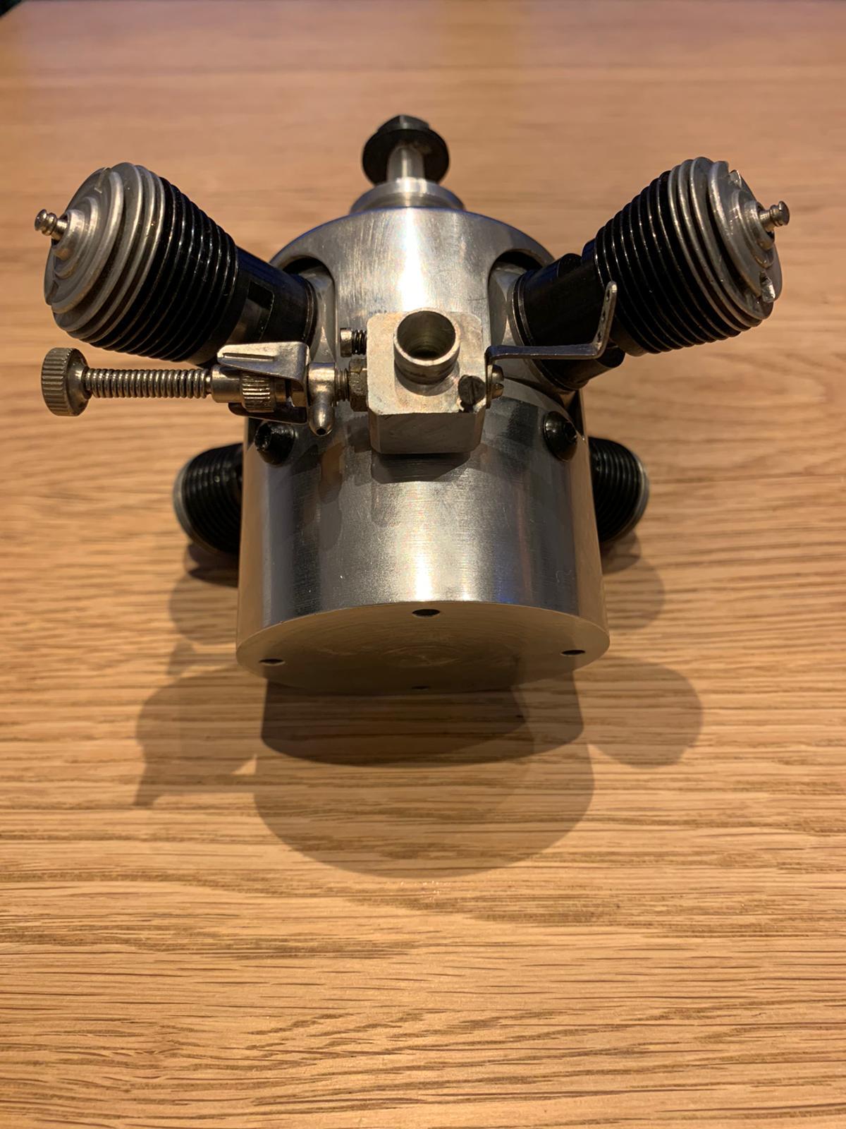 """Cox"" multi-cylinder engine Img-2016"