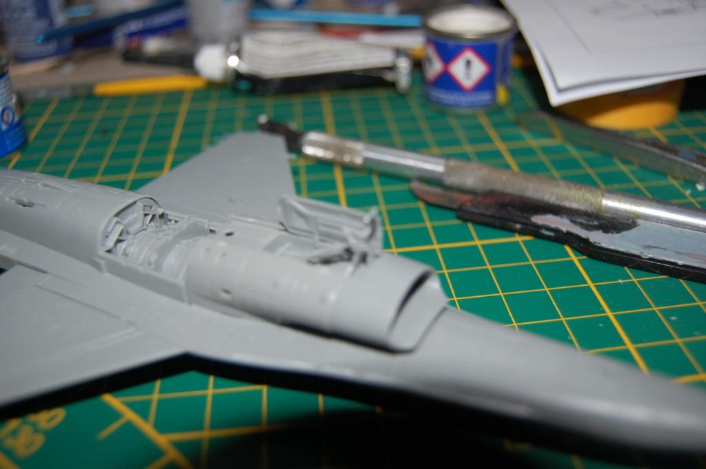 Kinetic F-16SUFA 1/72 Dsc_0044