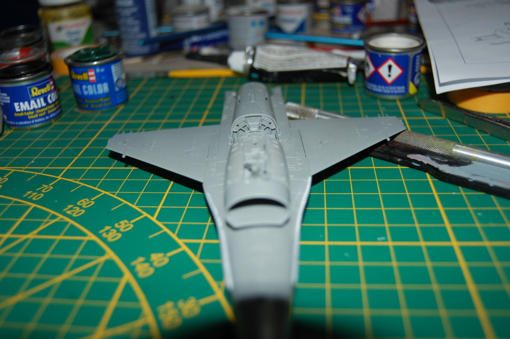 Kinetic F-16SUFA 1/72 Dsc_0046