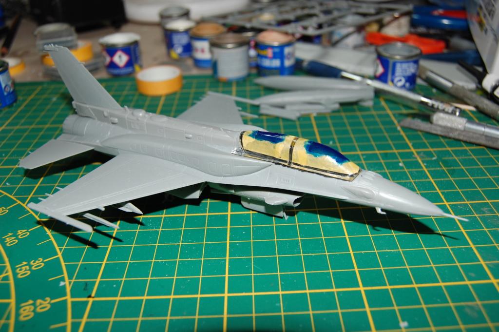 Kinetic F-16SUFA 1/72 Dsc_0054