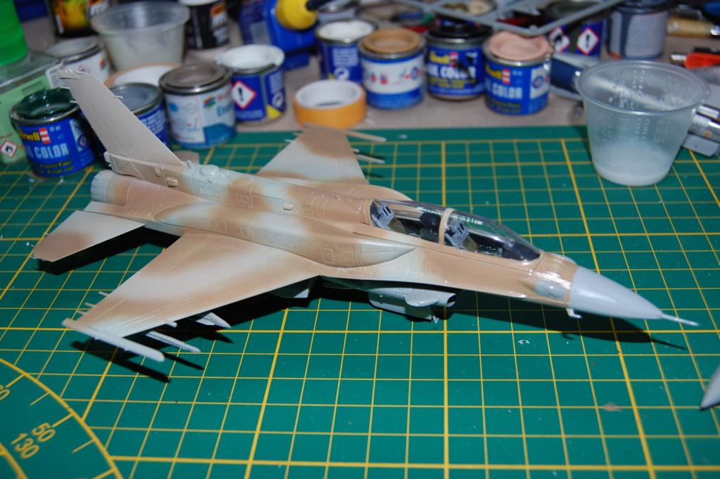 Kinetic F-16SUFA 1/72 Dsc_0057
