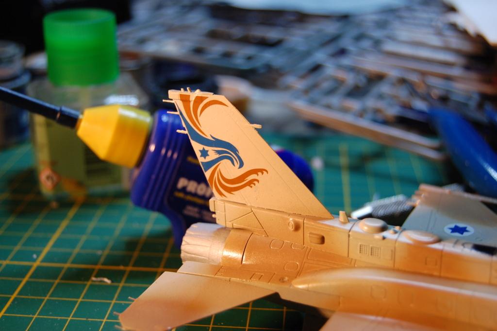 Kinetic F-16SUFA 1/72 Dsc_0060
