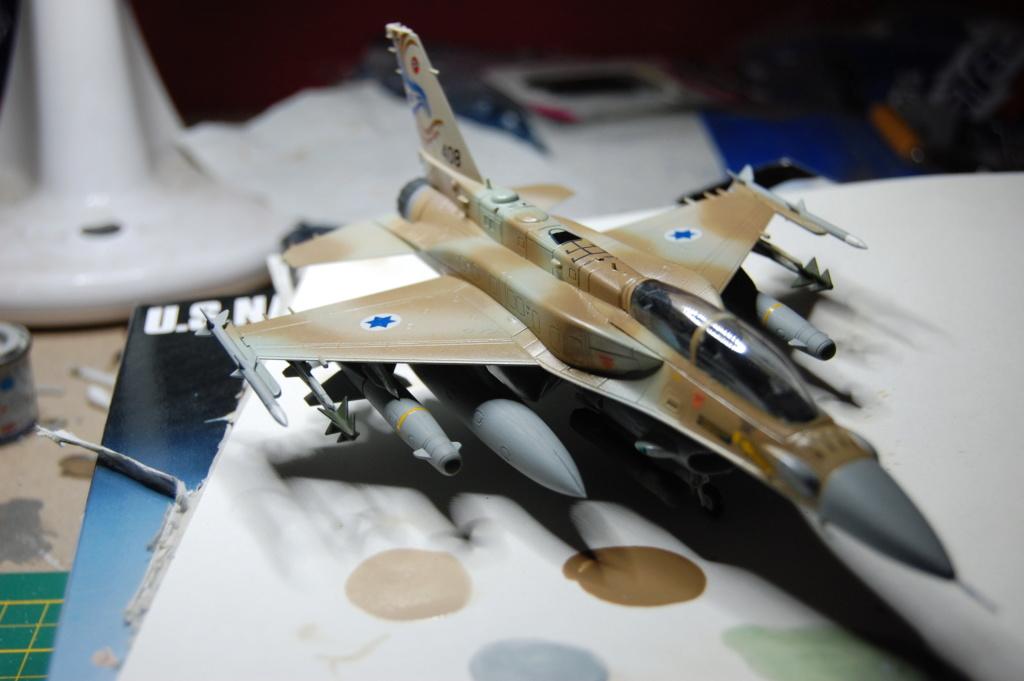 Kinetic F-16SUFA 1/72 Dsc_0064