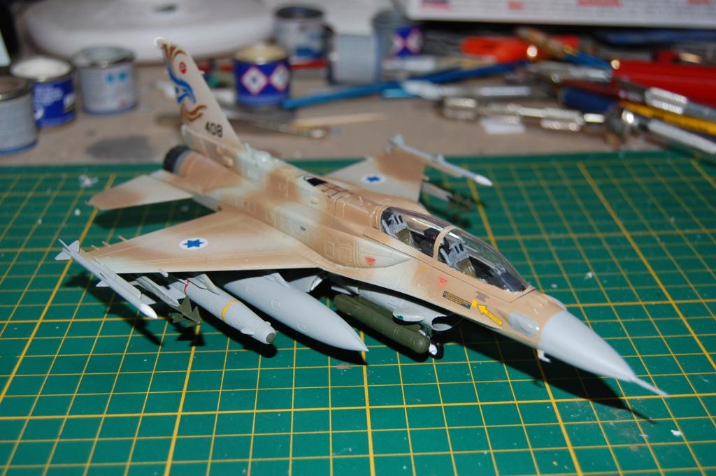 Kinetic F-16SUFA 1/72 Dsc_0068