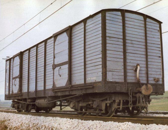 Vagó tancat de mercaderies JJ-1 Sèrie 1000 FEVE a escala G Vagon_12