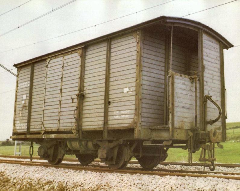 Vagó tancat de mercaderies JJ-1 Sèrie 1000 FEVE a escala G Vagon_13
