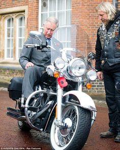 Ils ont posé avec une Harley, uniquement les People - Page 5 1aa20610