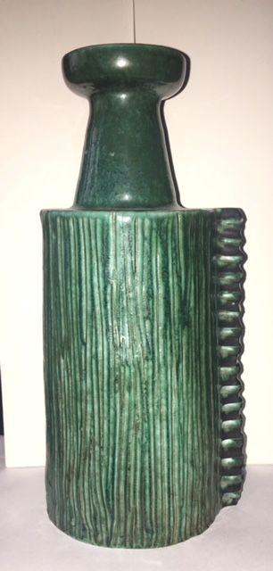 Green Glaze Vase, SP mark  Green_13