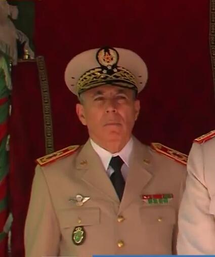 Les généraux de Sa Majesté - Page 10 Img_2010
