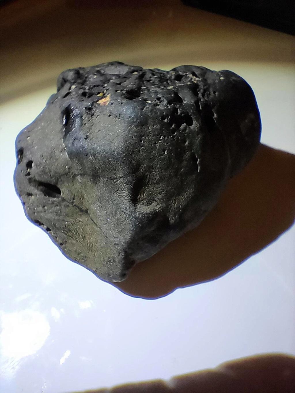 ho trovato un meteorite lunare? 710
