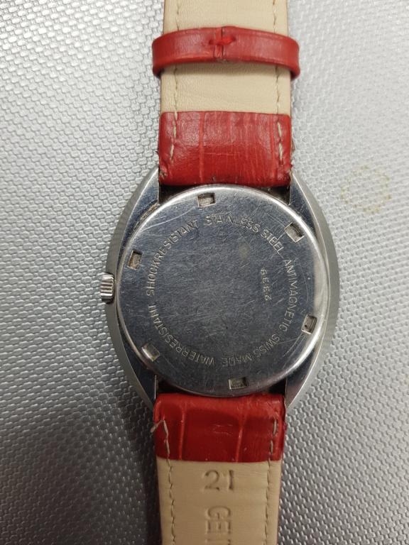 [Postez ICI les demandes d'IDENTIFICATION et RENSEIGNEMENTS de vos montres] - Page 37 15814411